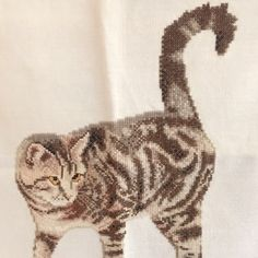 Love the tail on this tabby cat! info@nellyslittlegifts.nl