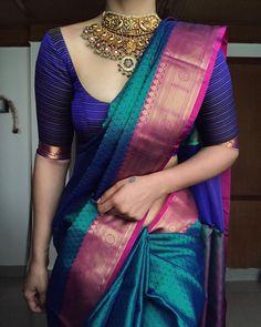 Cotton Saree Designs, Pattu Saree Blouse Designs, Trendy Sarees, Stylish Sarees, Indian Bridal Outfits, Bridal Sarees South Indian, Blue Silk Saree, Soft Silk Sarees, Saree Hairstyles