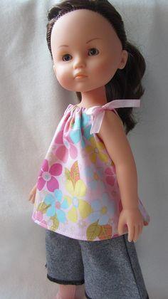 Vous avez un petit instant devant vous, une envie de coudre un vêtement de poupée, simple et rapide? Je vous propose de coudre une robe-tunique qui s'adapte facilement aux poupées de taille 32-35 c...