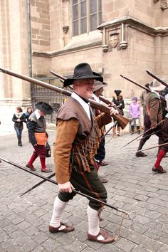 Musketeers marching through Geneva Age Of Enlightenment, Early Modern Period, Western World, Modern Warfare, Past Life, Geneva, 17th Century, 30 Years, Soldiers