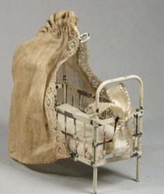 Antique Tin Dollhouse Covered Baby Bed Crib Old Doll Miniature Antique Dollhouse, Dollhouse Toys, Antique Dolls, Vintage Dolls, Dollhouse Miniatures, Doll Furniture, Dollhouse Furniture, Miniature Furniture, Munier