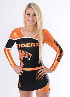 Cute Cheerleaders, Cheerleading Uniforms, Cheerleading Outfits, Sports Uniforms, Cheer Uniforms, College Cheerleading, Baseball Uniforms, Cheer Picture Poses, Cheer Poses