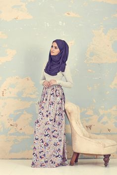 Hijab and abaya is the Muslim women attire that covers him. The trend of hijab and abaya is increase Islamic Fashion, Muslim Fashion, Modest Fashion, Girl Fashion, Fashion Outfits, Style Fashion, Muslim Dress, Hijab Dress, Hijab Outfit