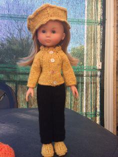 et première tenue pour une journée fraîche  c'est un modèle de Vaniline (Les Chéries de Vaniline). Vous le trouverez... Knit Crochet, Crochet Hats, Chiffons, Hipster, Dolls, Ciel, Knitting, Style, Fashion