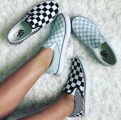 Tennis Shoes Sneakers Roshe Slip On Tennis Shoes Outfits Vans Classics Info: 1441059035 Vans Sneakers, Tenis Vans, Vans Shoes Outfit, Vans Outfit Girls, Girl Vans, Dream Shoes, Crazy Shoes, Me Too Shoes, Just Keep Walking