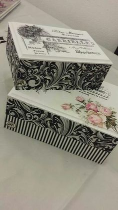 Decoupage wrapping paper to a box create something this pretty Decoupage Vintage, Decoupage Box, Shabby Vintage, Painted Boxes, Hand Painted, Craft Projects, Projects To Try, Diy And Crafts, Paper Crafts