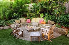 The 5 Main Types of Fire Pits You Need to Know Before Purchasing - Cozy Home 101 Diy Garden Seating, Backyard Seating, Fire Pit Backyard, Outdoor Seating, Backyard Patio, Backyard Landscaping, Backyard Ideas, Patio Ideas, Landscaping Ideas