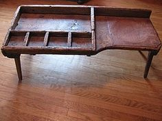Cobbler's Workbenches – Preindustrial Craftsmanship Primitive Furniture, Primitive Antiques, Antique Furniture, Vintage Antiques, Outdoor Furniture, Vintage Décor, Colonial Furniture, Primitive Country, Primitive Decor