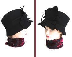 Vintage black wool felt cloche hat with large decorative floral trim in the front, narrow brim, elegant, classy, Kasmo Design, Australia by CardCurios on…