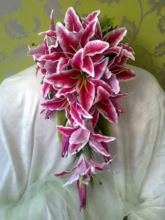 stargazer lily bouquet. That's the one!!!!!                                                                                                                                                                                 Mehr