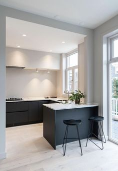 Money on Our Gas Bill tiny but super-functional kitchen layout.tiny but super-functional kitchen layout. Apartment Kitchen, Home Decor Kitchen, Kitchen Interior, New Kitchen, Kitchen Ideas, Kitchen Designs, Space Kitchen, Kitchen Tips, Kitchen Furniture