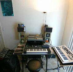 Show off your Studio - Weekly Roundup 11 Recording Studio Home, Home Studio, Gaming Setup, Studio Ideas, Electronic Music, Desktop, Garage, Spaces, Phone