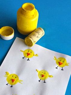 Simple Easter Crafts for Kids - Wine Cork Chicks CraftThis list of simple Easter crafts for kids is absolutely adorable! From egg carton chicks to cotton ball bunnies there are tons of Easter craft ideas here!These Easter crafts for kids offer a fun Easter Art, Easter Crafts For Kids, Toddler Crafts, Easter Activities, Craft Activities, Preschool Crafts, Preschool Kindergarten, Cork Crafts, Kids Crafts