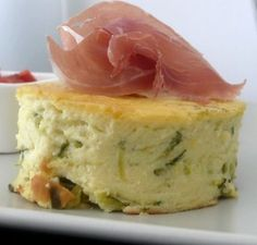 Zucchini clafoutis with fresh goat cheese - chefNini - Trend Pretty Cakes 2019 Tapas, Cooking Time, Cooking Recipes, Zucchini, Good Food, Yummy Food, No Salt Recipes, Snack, Finger Foods