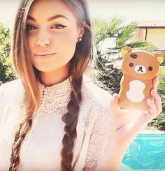 Marzia) I'm trying a new phone case and hairstyle, what do you think?