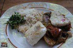 Schellfisch auf Sommergemüse Dieser leckere Schellfisch auf Sommergemüse ist ein wirklich leicht und leckeres Sommerrezept.