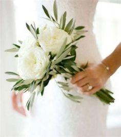 White and blush bouquet wedding ideas 8