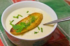Этот рецепт супа из сельдерея придется очень кстати для тех, кто соблюдает пост или просто хочет похудеть. Я не отношусь ни к первым, ни ко вторым, но суп из сельдерея съел с не меньшим удовольствием, чем приготовил. Думаю, вы мою точку зрения разделите: в том, что этот овощ очень вкусен, уже успели убедиться те, кто …