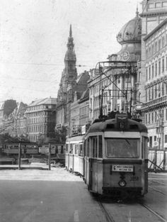 New York Coffee House ,Budapest, Hungary Old Pictures, Old Photos, New York Coffee, Capital Of Hungary, Anno Domini, Commercial Vehicle, Budapest Hungary, Vintage Photography, Homeland