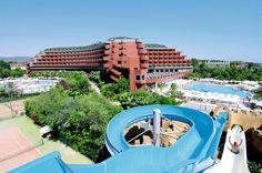 Wanneer u verblijft in het prachtige Delphin Deluxe 5-sterren hotel zult u genieten, genieten en nog eens genieten. In dit prachtige resort is werkelijk voor iedereen wat te doen. Het strand voor de deur maakt het helemaal af. De combinatie van de vele faciliteiten, de keuze uit vele bars en restaurants en de relaxe sfeer maken dat het u tijdens uw vakantie aan niets zal ontbreken. Het hotel ligt direct aan het strand en op 30 km van zowel Side als Alanya. Officiële categorie *****