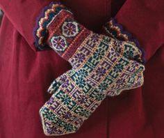 Latvian Usinš and Sun Mittens - Media - Knitting Daily