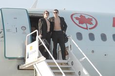 Montréal Canadiens rookies Brendan Gallagher and Alex Galchenyuk arrived with the team in Florida and discovered that team-mates had stolen their dress shirts!