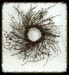 Wild Twiggy Wreath Plain