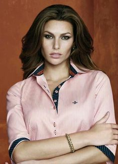 Dudalina@ Formal Shirts, Working Woman, Office Fashion, Blouse Styles, Satin Dresses, Style Guides, Shirt Blouses, Personal Style, Cool Outfits