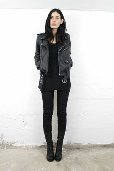 Trendy style rock chic grunge all black ideas Mode Outfits, Casual Outfits, Fashion Outfits, Womens Fashion, Fashion Trends, Casual Goth, Rock Chic Outfits, Style Fashion, Workwear Fashion