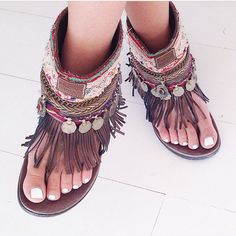 My god I just want to own a pair of these!!! Emonk Ibiza sandals...