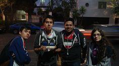 Retrato grupal (amigos) Flores Vargas Jaime Germán ISO400 F3.5 Velocidad 1/5