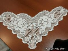 Sevdiklerim Crochet Lace Edging, Filet Crochet, Crochet Doilies, Knit Crochet, Romanian Lace, Crochet Designs, Fabric Flowers, Diy And Crafts, Projects To Try