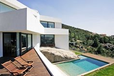 A house in the landscape's topography http://www.morfae.com/a-house-in-the-landscapes-topography/ #house#residential #architecture #modern #pool