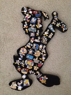 Donald Duck Disney pin display board, tall The post Donald Duck Disney pin display board, tall appeared first on DIY Projects. Donald Disney, Disney Duck, Cute Disney, Disney Trading Pins, Disney Pins, Disney Ideas, Disney Stuff, Disney Magic, Walt Disney