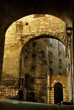 Medieval Town in Perugia, Italy Photo by Alessandro Pinto