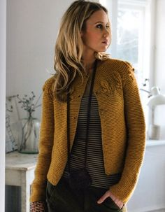 gorgeous garter and leaf-yoke sweater | pattern available in Russian