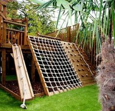 85 Small Backyard Playground Landscaping Ideas on a Budget - Decoradeas Outdoor Play Areas, Backyard Play Areas, Play Yard, Outdoor Play Gym, Play Area Garden, Outdoor Forts, Kid Garden, Garden Ponds, Outdoor Privacy
