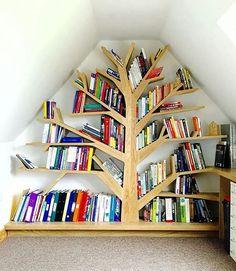 Wall shelf and bookcase models - Life ideas Tree Bookshelf, Corner Bookshelves, Bookshelf Design, Diy Cardboard Furniture, Creative Bookshelves, Diy Casa, Condo Decorating, European Home Decor, Home Decor Furniture