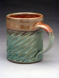 Jeff Brown Pottery Seagrove NC (Awesome texture and the way they dipped it in… Clay Mugs, Ceramic Clay, Pottery Mugs, Ceramic Pottery, Pottery Designs, Pottery Ideas, Pottery Classes, Ceramics Projects, Pottery Wheel