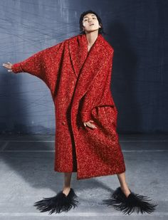 Me every morning as Seuss-esque. Red Fashion, Look Fashion, Winter Fashion, Fashion Dresses, Womens Fashion, Fashion Design, Amy, Look Street Style, London College Of Fashion