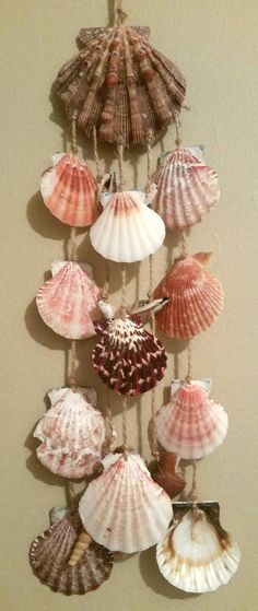 Excited to share the latest addition to my shop: Seashell Wind Chime - Mach Es Selbst DIY Seashell Mobile, Seashell Art, Seashell Crafts, Seashell Wind Chimes, Diy Wind Chimes, Diy Makeup Organizer, Wind Charm, Easy Crafts To Sell, Seashell Projects