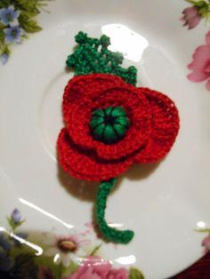Handmade Crochet red/green 100% cotton POPPY FLOWER Brooch #6 in Jewellery & Watches, Costume Jewellery, Brooches & Pins | eBay