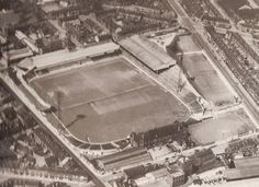 Bramall Lane in the early Best Football Team, Football Stadiums, Football Match, Sheffield United Football, Sheffield United Fc, Bramall Lane, Image Foot, Goodison Park, Professional Football