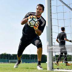 igi oggi a Vinovo.⚽ Training day ☀️ ▪ ▪ ▪ ▪ ▪ #gig1 #gigione #gigante #Sangigi #giginazionale #gigibuffon #gianluigibuffon #capitano