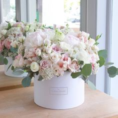 Sweets for my sweet. A cotton candy dream today! Faux Flower Arrangements, Beautiful Flower Arrangements, Romantic Flowers, Amazing Flowers, Beautiful Flowers, Wedding Flowers, Flower Box Gift, Flower Tea, Flower Boxes