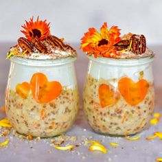 The Best 5 healthy Dessert Inspired Overnight Oats - Alphafoodie Healthy Cookie Dough, Healthy Cookies, Oats Recipes, Healthy Recipes, Free Recipes, Healthy Food, Quinoa Soufflé, Strawberry Overnight Oats, Healthy Carrot Cakes