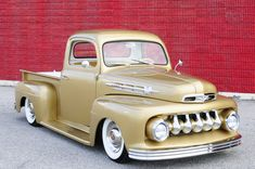 The Luck of the Irish Lives on in this 1952 Ford - Hot Rod Network Classic Pickup Trucks, Old Pickup Trucks, Hot Rod Trucks, Cool Trucks, Chevy Trucks, Lifted Trucks, Jet Packs, Ford Motor Company, Rat Rods
