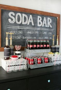 Coke Float Celebrate the big game or any party with an awesome Coca-Cola Soda Bar and Easy Game Day Desserts that everyone will love!Celebrate the big game or any party with an awesome Coca-Cola Soda Bar and Easy Game Day Desserts that everyone will love! Festa Rock Roll, Kino Party, Coca Cola Party, Coca Cola Wedding, Coke Float, Bar A Bonbon, Vanilla Coke, Grad Parties, 50s Theme Parties