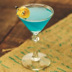 Bacardí brand ambassador Jacob Briars created this drink as a joke, but it's become a popular order, so he gets the last laugh. It is similar to the Corpse Reviver No. 2, but swaps Cointreau for blue curaçao. Cocktail Mixers, Cocktail Menu, Cocktail Recipes, Recipes Dinner, Blue Cocktails, Easy Cocktails, Corpse Reviver, Liquid Dreams, London Dry Gin