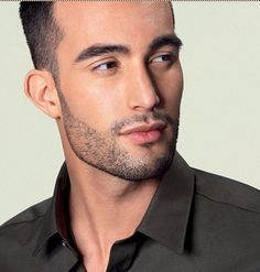 facial hair grooming - short stubble beard, achieved with a Philips SensoTouch Gyroflex Electric Shaver with Jet Clean and Charge system. Professional Beard Styles, Modern Beard Styles, Popular Beard Styles, Beard Styles For Men, Hair And Beard Styles, Mens Hairstyles With Beard, Boy Hairstyles, Haircuts, Trimmed Beard Styles